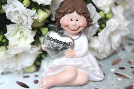Schutzengel Engelfigur Mädchen Sitz