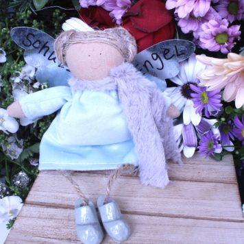 Schutzengel Betty im Nickikleidchen