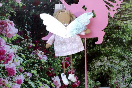 Schutzengel Daisy im rose Leinenkleidchen