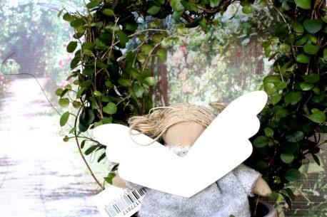 Schutzengel Imke im grauen Strickkleidchen