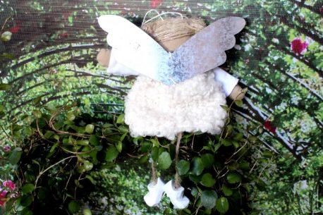 Schutzengel Katherine im Wollkleidchen