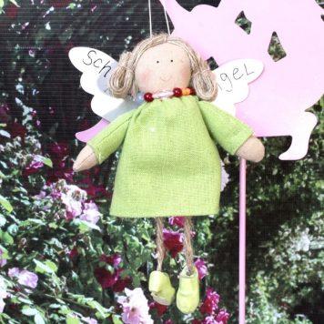 Schutzengel Lilli im grünen Leinenkleidchen