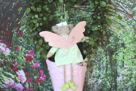 Schutzengel Pam im grünen Leinenkleidchen