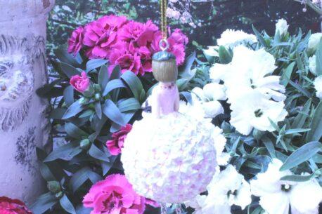 Deko Figur Dekohänger Blumenmädchen Hortensie