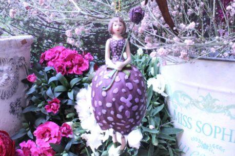 Deko Figur Fee Dekohänger Blumenmädchen Schachblume zum Hängen