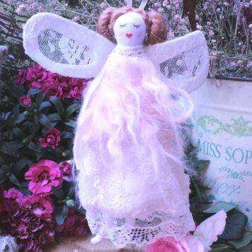 Schutzengel Barora Stoff Aufhänger Fellkleidchen mit Flügel