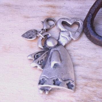 Hevi Schlüsselanhänger Taschenanhänger Engel mit Herz