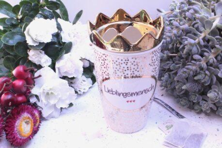 Mea Living Henkelbecher Lieblingsmensch Teesieb & Krone