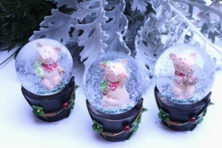 Schneekugel Glimmerkugel Unsere Glücksschweinchen