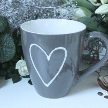 Henkelbecher Kaffeetasse grey mit Bild Herz von Wurm