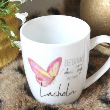 Henkelbecher Sprüche Kaffeetasse Beginne den Tag mit einem Lächeln2