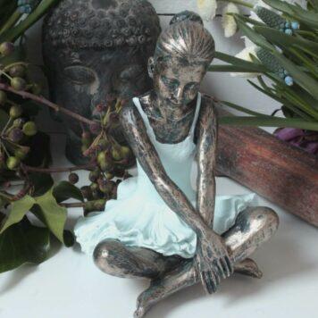 Ballerina Grazil Ballett Figur Dekofigur Schneidersitz
