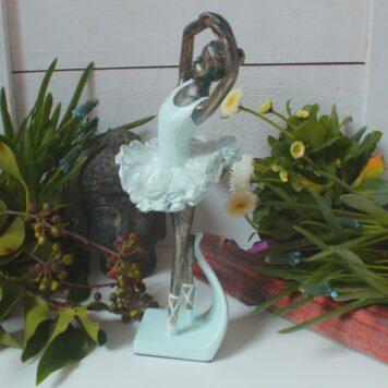 Ballerina Grazil Ballett Figur Dekofigur Tanz Pose
