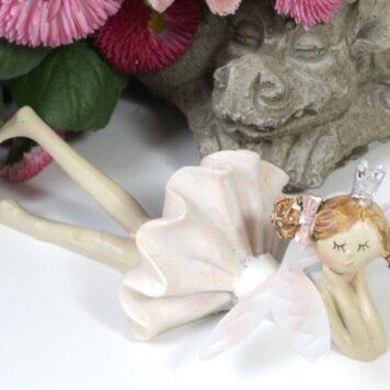 Dekofigur Blütenfee Prinzessin Ruht sich aus