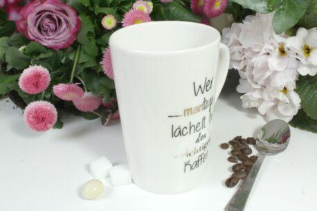 Henkelbecher Sprüche Kaffeetasse Wer Montags lächelt hat den richtigen Kaffee