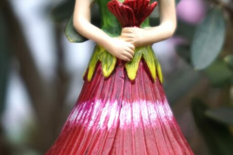 Deko Figur Dekohänger Blumenfee Chalice