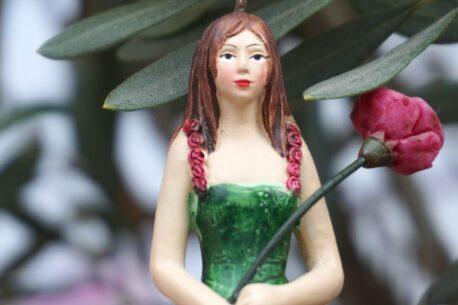 Deko Figur Dekohänger Blumenfee Röslein