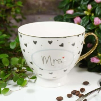 Mea Living Porzellantasse Mrs. mit Geschenkbox