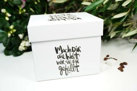 PPD Henkelbecher Mach dir die Welt, wie sie dir gefällt. mit Geschenkbox