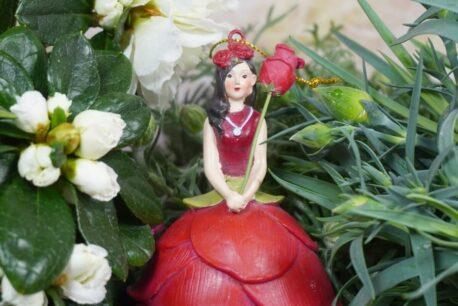 Deko Figur Dekohänger Blumenmädchen Rosenrot