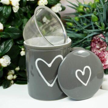 Henkelbecher Teetasse Set mit Deckel & Sieb Grau Herz
